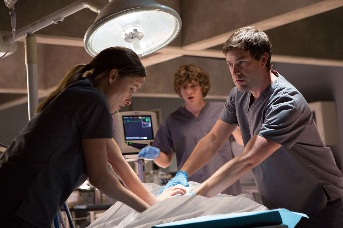 The Lazarus Effect: Olivia Wilde alle prese con un esperimento insieme a Mark Duplass e Evan Peters in una scena