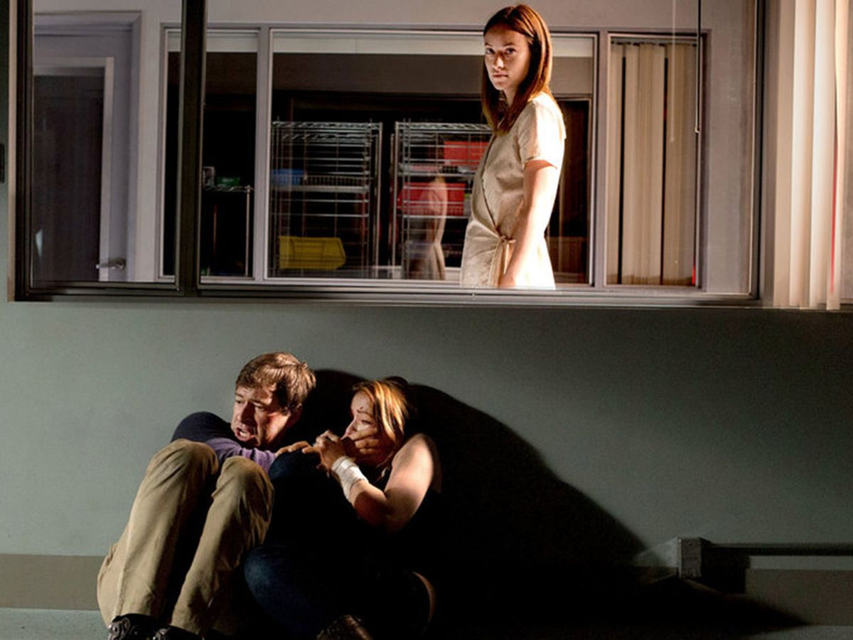 The Lazarus Effect: Olivia Wilde sulle tracce di Mark Duplass e Sarah Bolger in un'immagina dell'horror-thriller
