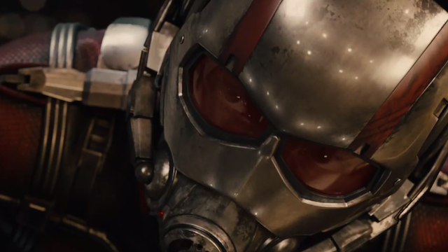 Ant-Man: un primissimo piano di Paul Rudd in costume