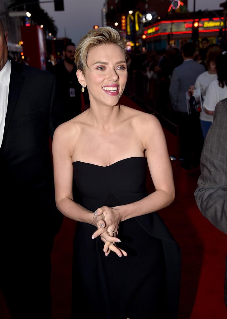 The Avengers: Age of Ultron - la Johansson alla premiere