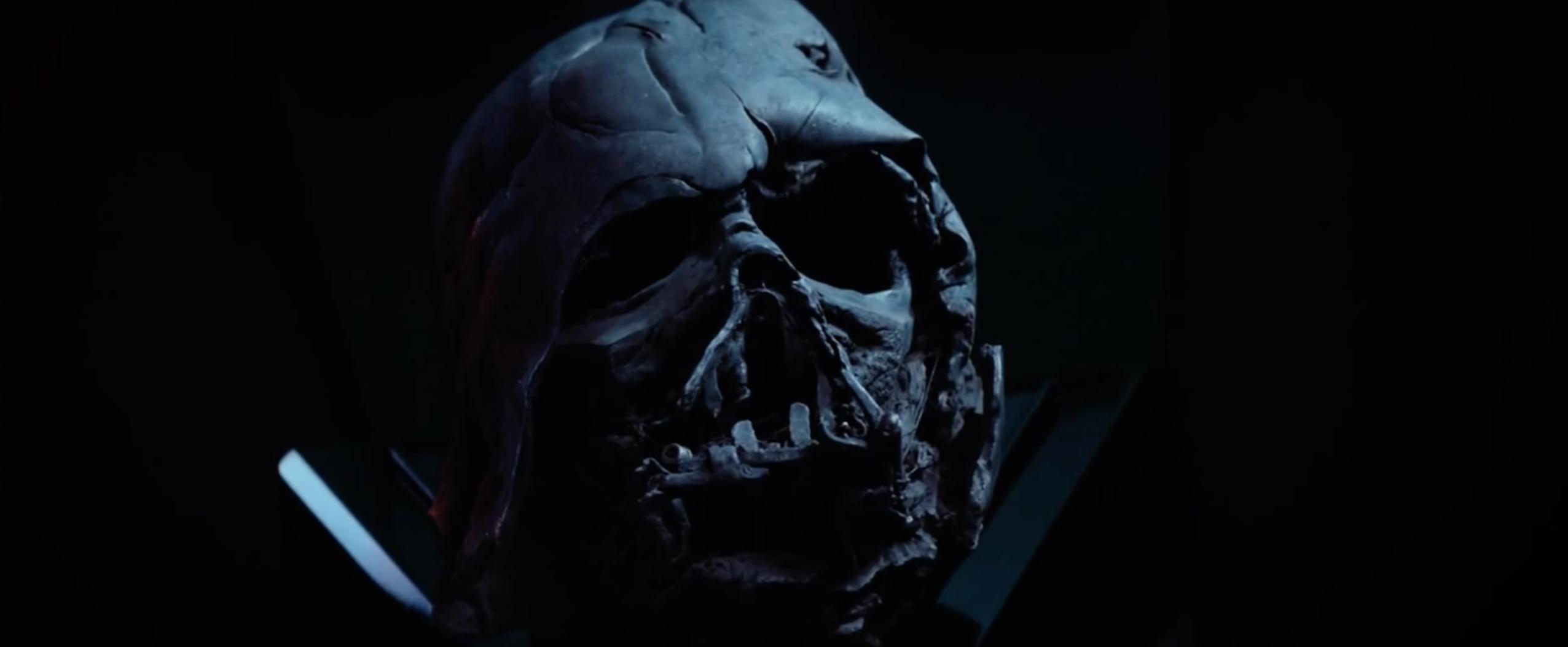 Star Wars: Episodio VII - Il risveglio della Forza: la mascheda di Darth Vader nel secondo teaser