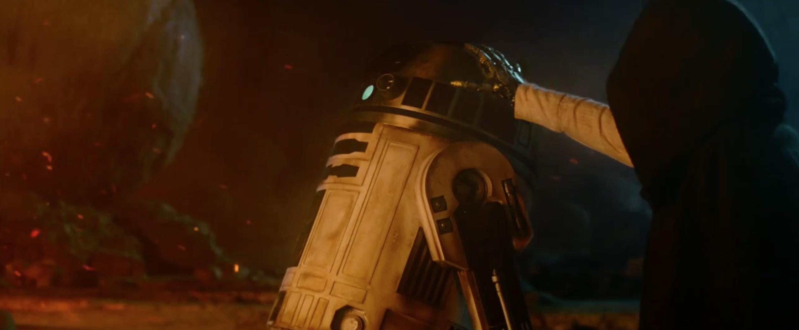 Star Wars: Episodio VII - Il risveglio della Forza: R2D2 appare nel secondo teaser