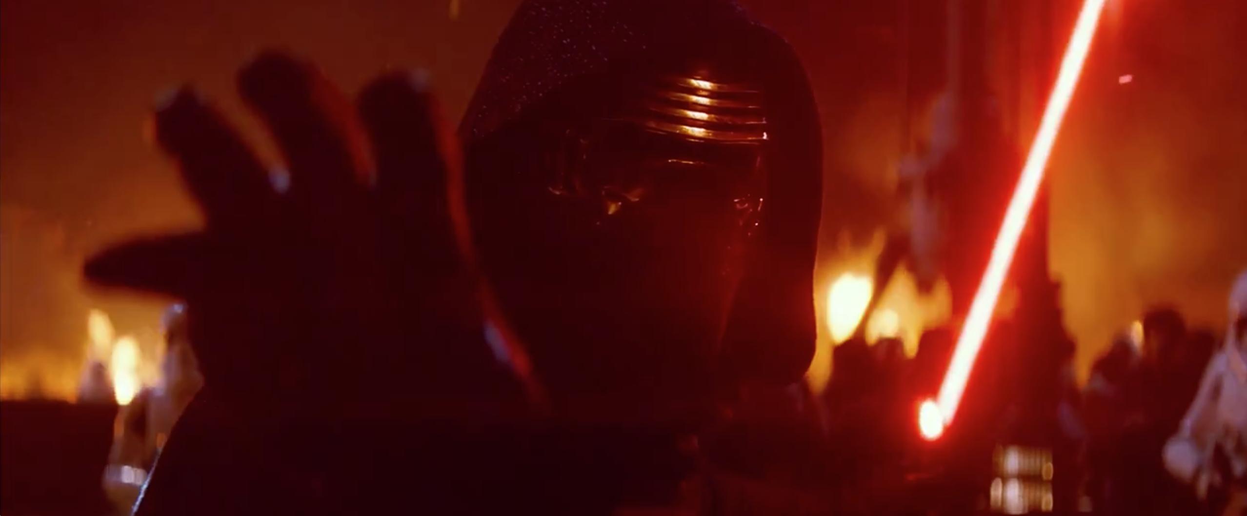 Star Wars: Episodio VII - Il risveglio della Forza: Kylo Ren in un momento del secondo teaser