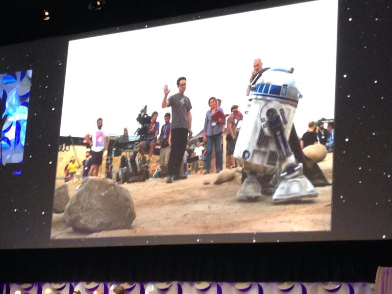Star Wars: Episodio VII - Il Risveglio della Forza: una foto scattata sul set mostrata durante il panel