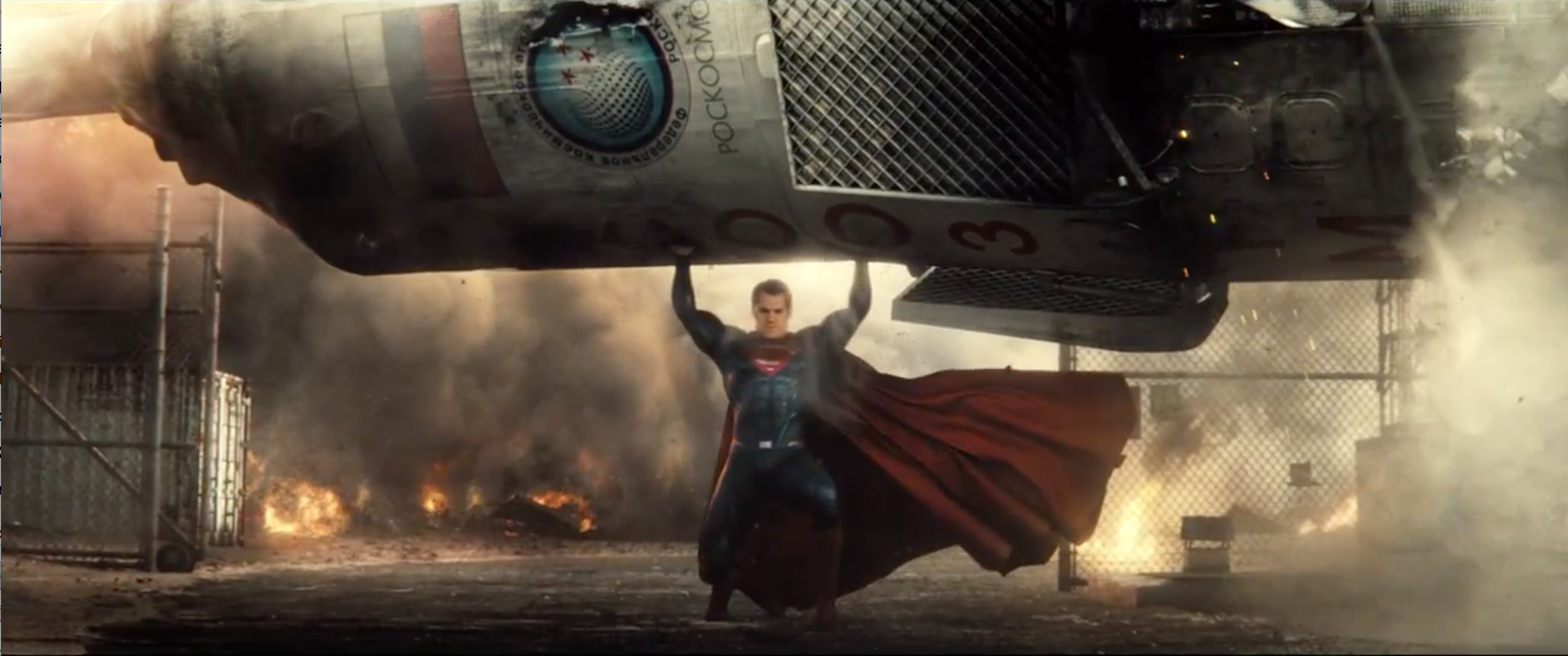 Batman v Superman: Dawn of Justice: Henry Cavill nel trailer del film