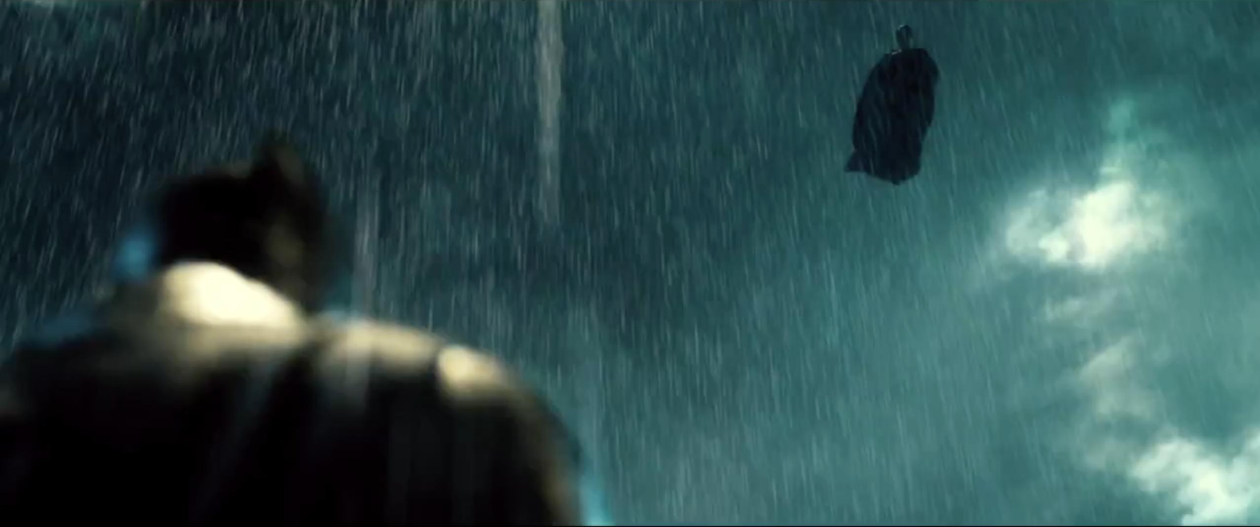 Batman v Superman: Dawn of Justice: un'immagine suggestiva dal trailer del film