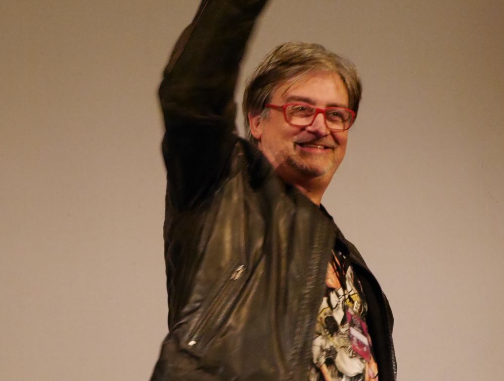 Claudio Simonetti saluta il pubblico del FIPILI Horror Festival di Livorno
