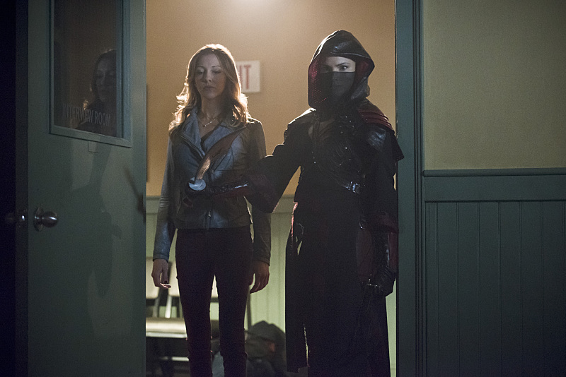 Arrow: le attrici Katie Cassidy e Katrina Law in The Offer