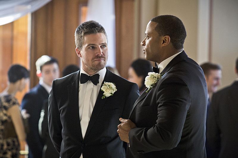 Arrow: gli attori Stephen Amell e David Ramsey nella puntata Suicidal Tendencies