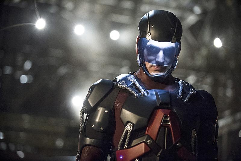 Arrow: Brandon Routh interpreta Atom in Suicidal Tendencies