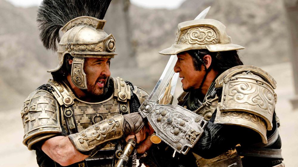 Dragon Blade: Jackie Chan e John Cusack in una scena di combattimento