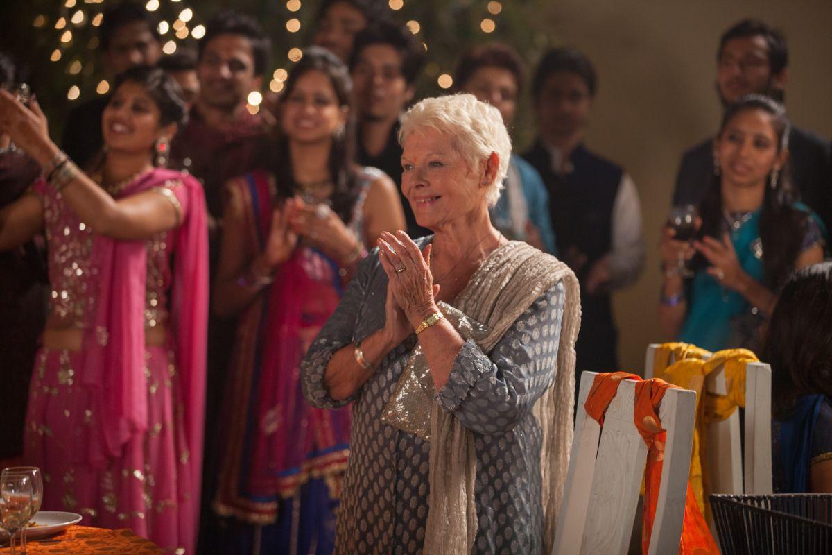 Ritorno al Marigold Hotel: Judy Dench nei panni di Evelyn in una scena del film