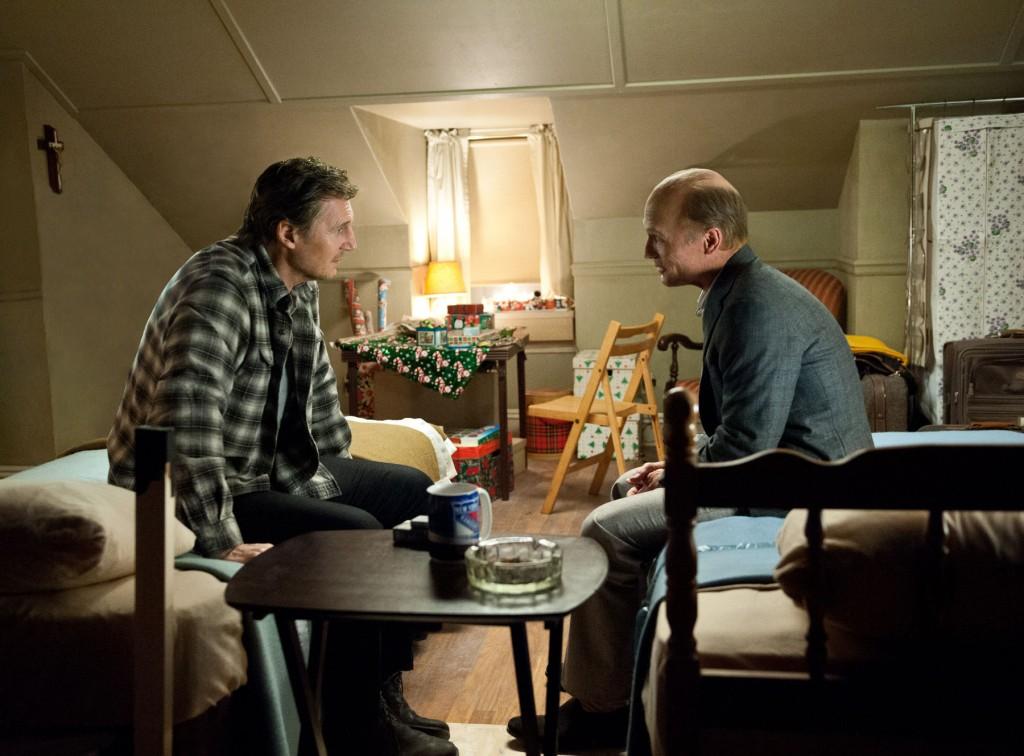 Run All Night: Liam Neeson insieme a Ed Harris in una scena del film