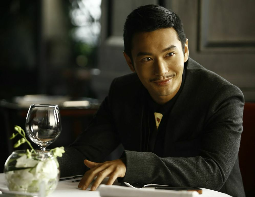 Women Who Flirt: Huang Xiaoming nel ruolo di Marco in una scena del film