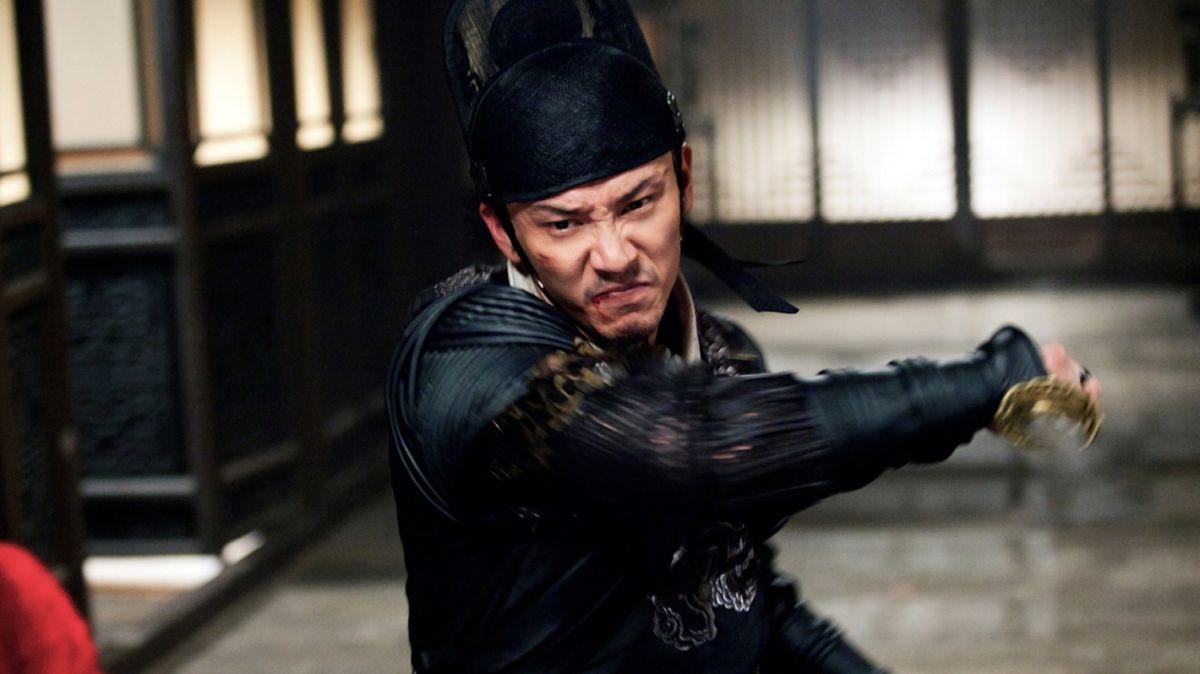 Brotherhood of Blades: Chang Chen in una scena action del film