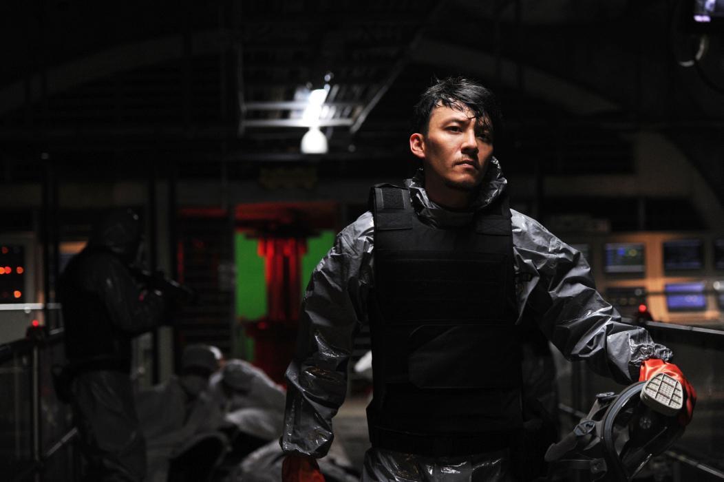 Helios: Shawn Yue in una scena del film