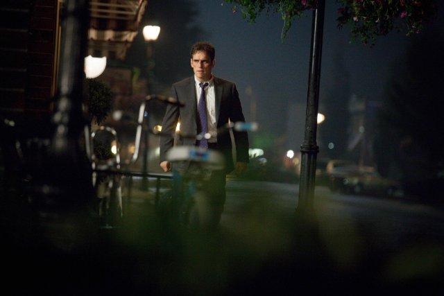 Wayward Pines: Matt Dillon in una scena del pilot della serie