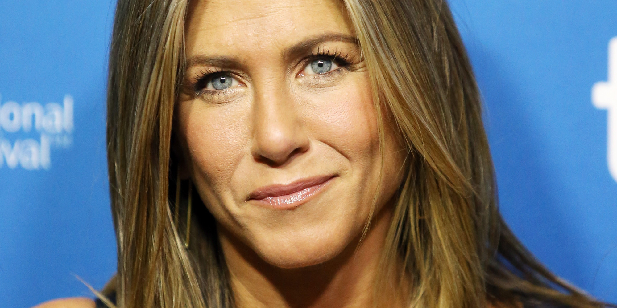 Jennifer Aniston in un fulgido primo piano