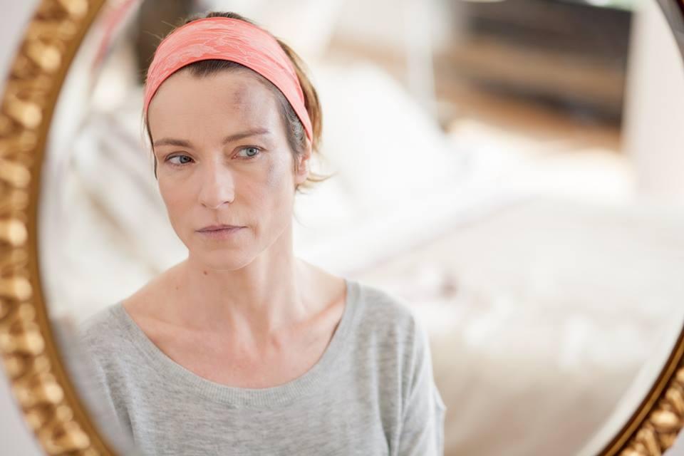 One More Day: Stefania Rocca in una drammatica scena del film