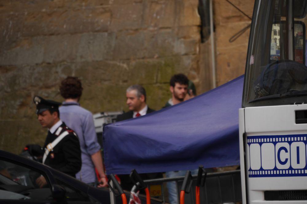 Inferno: Fortunato Cerlino e Omar Sy fuori da Palazzo Vecchio