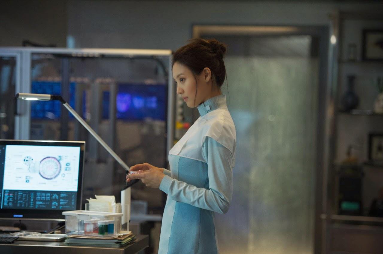 Avengers: Age of Ultron: Claudia Kim in una scena del film