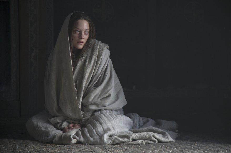 Macbeth: Marion Cotillard è Lady Macbeth in una scena del film