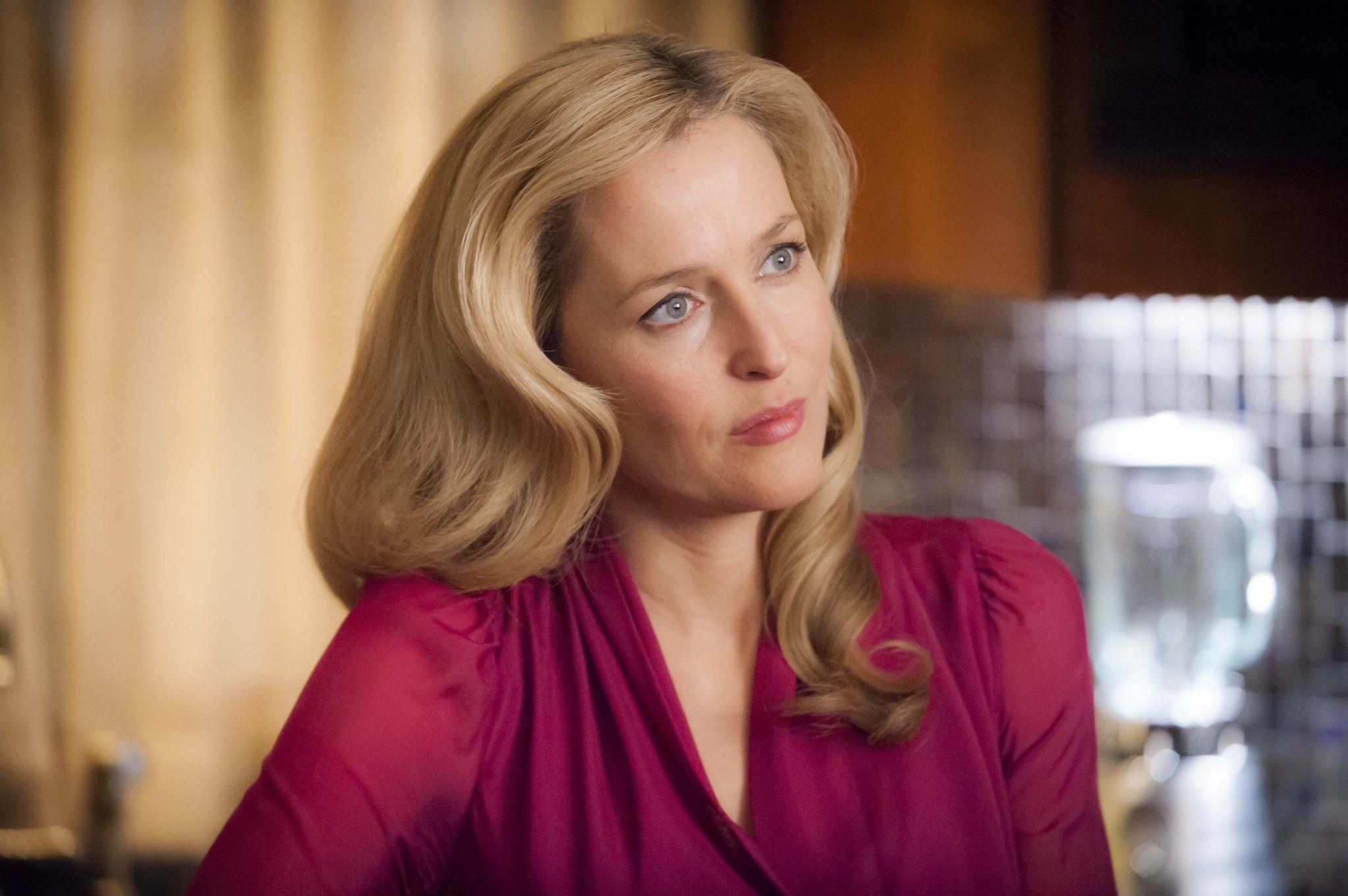 Hannibal: Gillian Anderson in una scena della serie