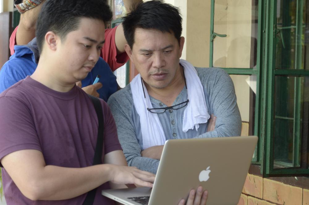 Taklub: il regista Brillante Mendoza sul set del film