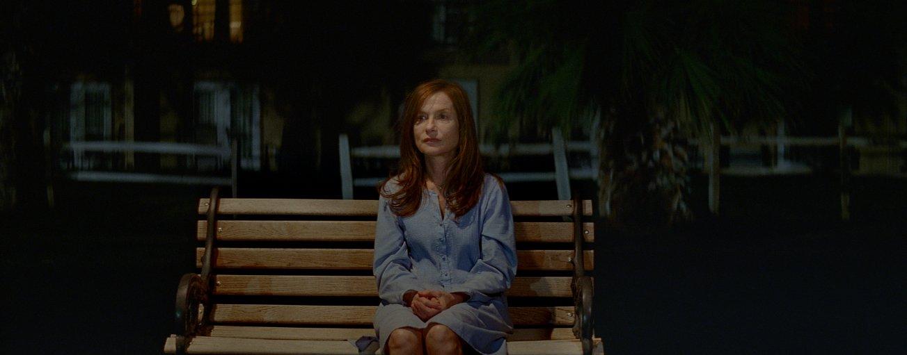 Valley of Love: Isabelle Huppert, nel ruolo di Isabelle, in una scena del film drammatico
