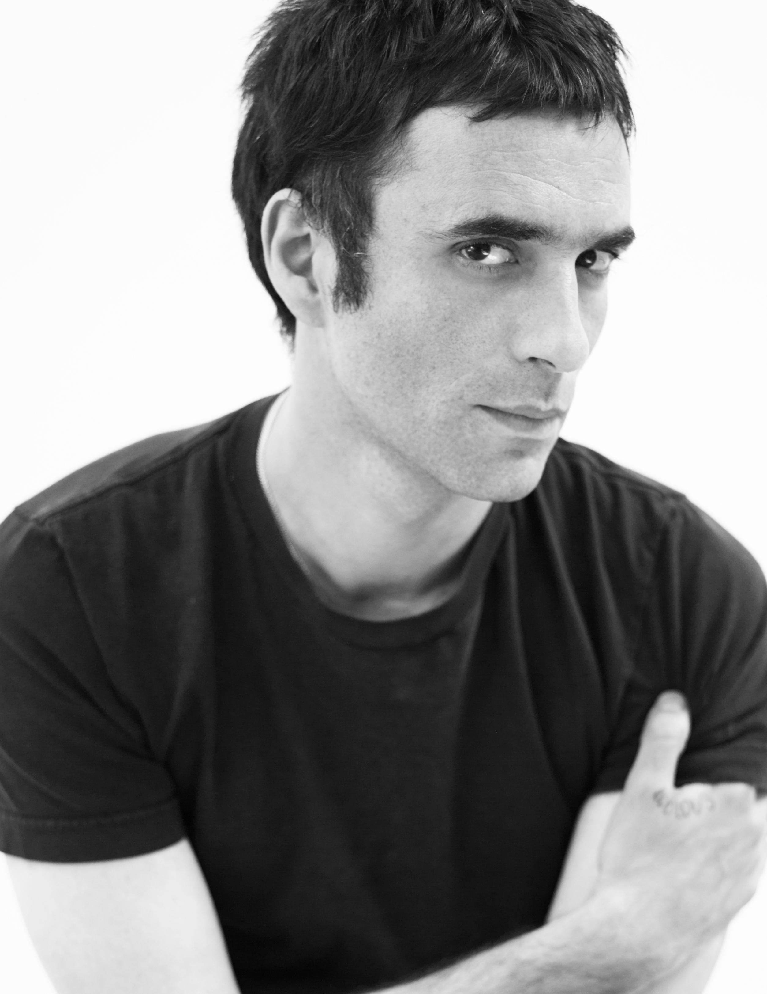 Asphalte: il regista Samuel Benchetrit in un'immagine promozionale del film