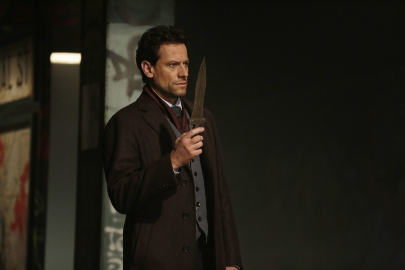 Forever: l'attore Ioan Gruffudd in un'immagine tratta dall'episodio The Last Death of Henry Morgan