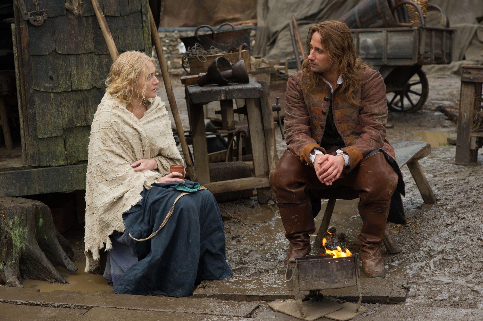 Le Regole del Caos: Kate Winslet con Matthias Schoenaerts in una scena