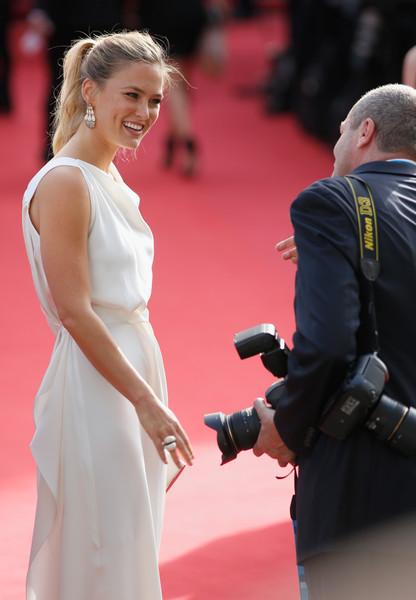 Cannes 2015: Bar Rafaeli sul red carpet della cerimonia di apertura