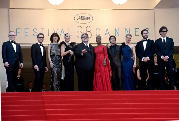 Cannes 2015: la giuria guidata dai fratelli Coen posa per i fotografi