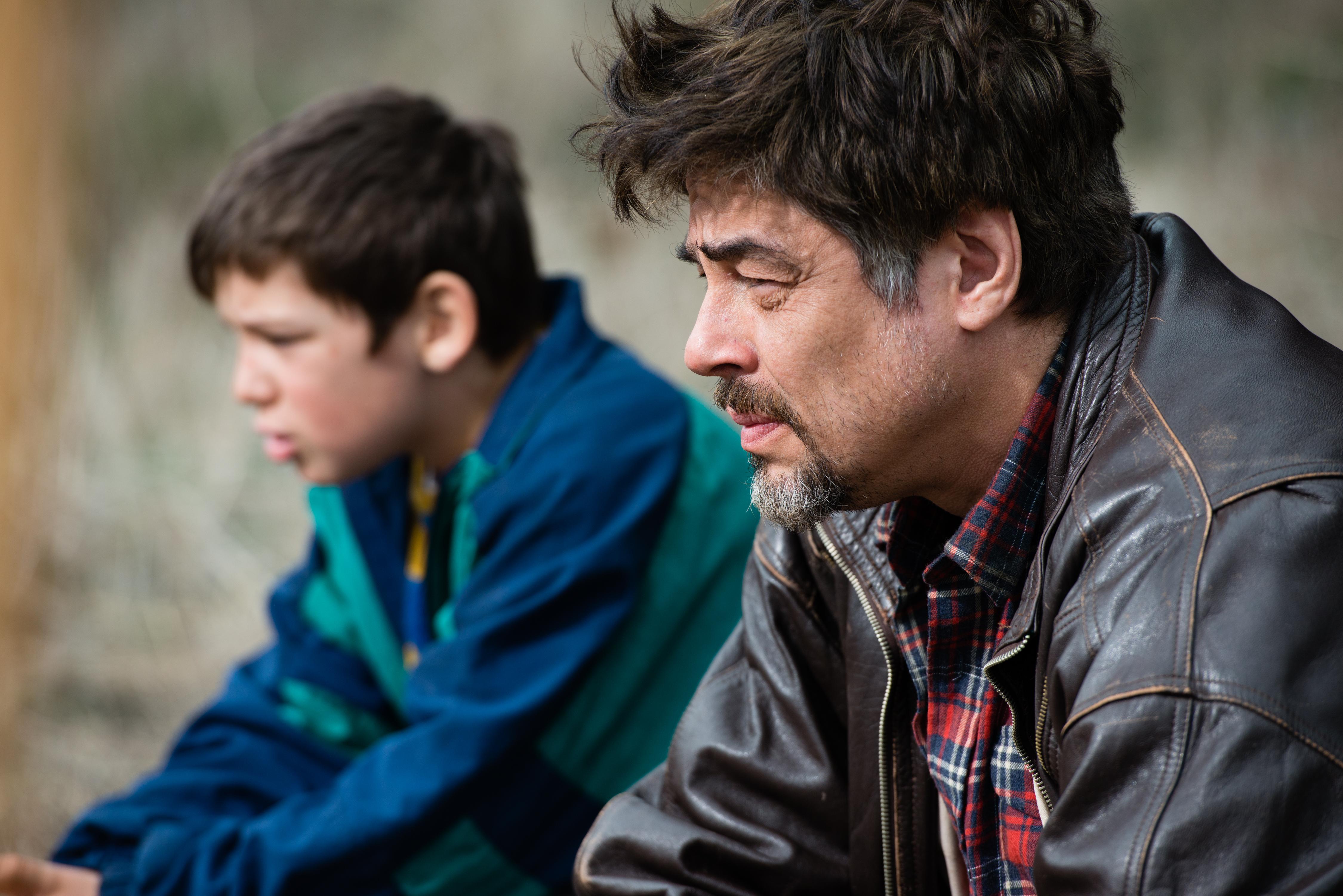 A Perfect Day: Benicio Del Toro in un'immagine del film