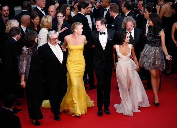 Cannes 2015: George Miller, Charlize Theron, Nicholas Hoult e Zoe Kravitz sul red carpet della première di Mad Max: Fury Road