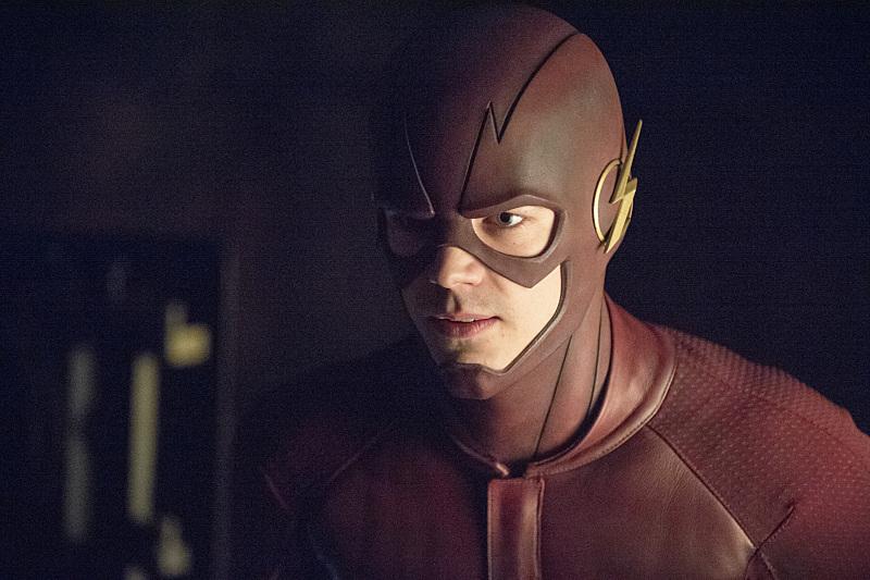 Arrow: Grant Gustin in una scena dell'episodio My Name Is Oliver Queen
