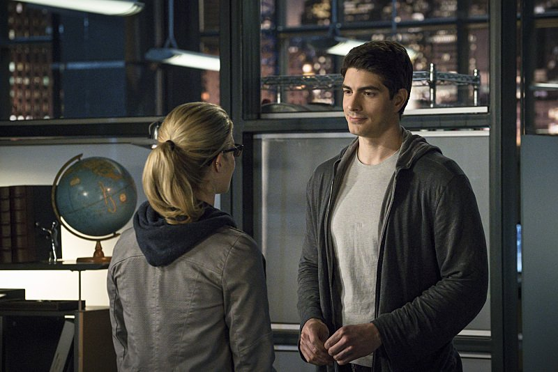 Arrow: Emily Bett Rickards e Brandon Routh in My Name Is Oliver Queen