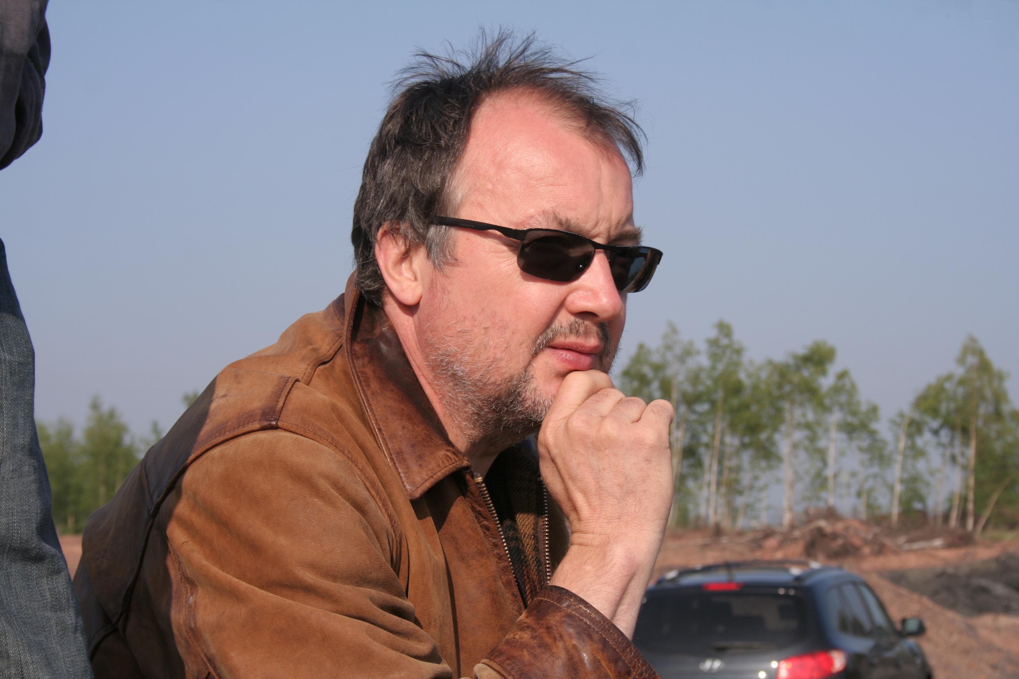 Il regista Philippe Faucon sul set del suo film, Fatima