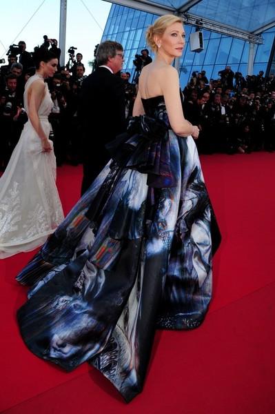 Cannes 2015 - Rooney Mara, Todd Haynes e Cate Blanchett sul red carpet della première di Carol