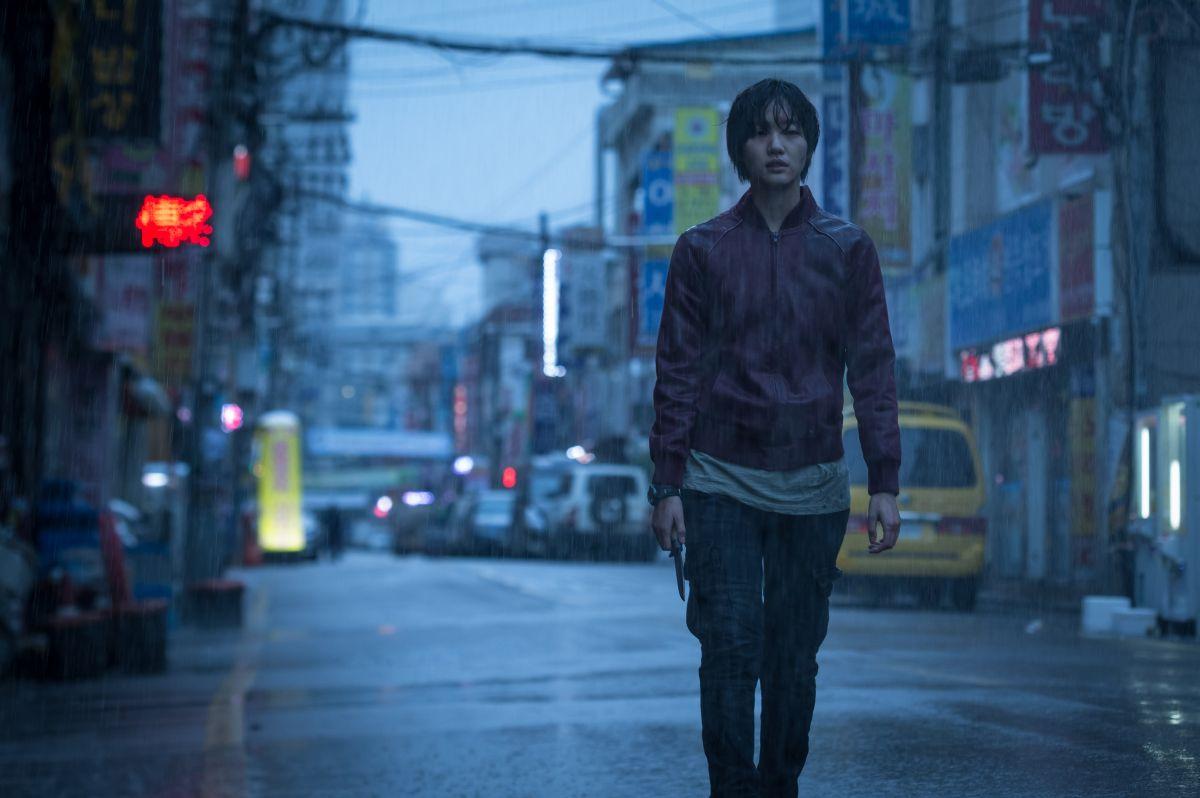 Coin Locker Girl: Kim Go-eun in una scena del film