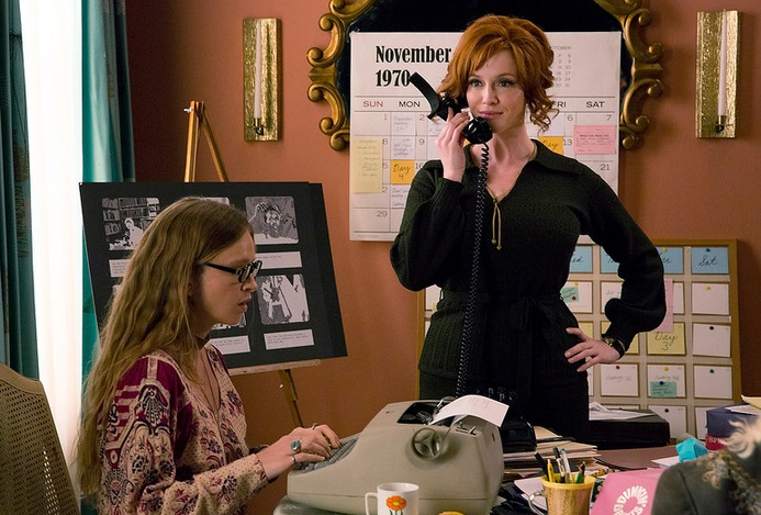 Mad Men: Christina Hendricks interpreta Joan Harris nell'episodio Person to Person