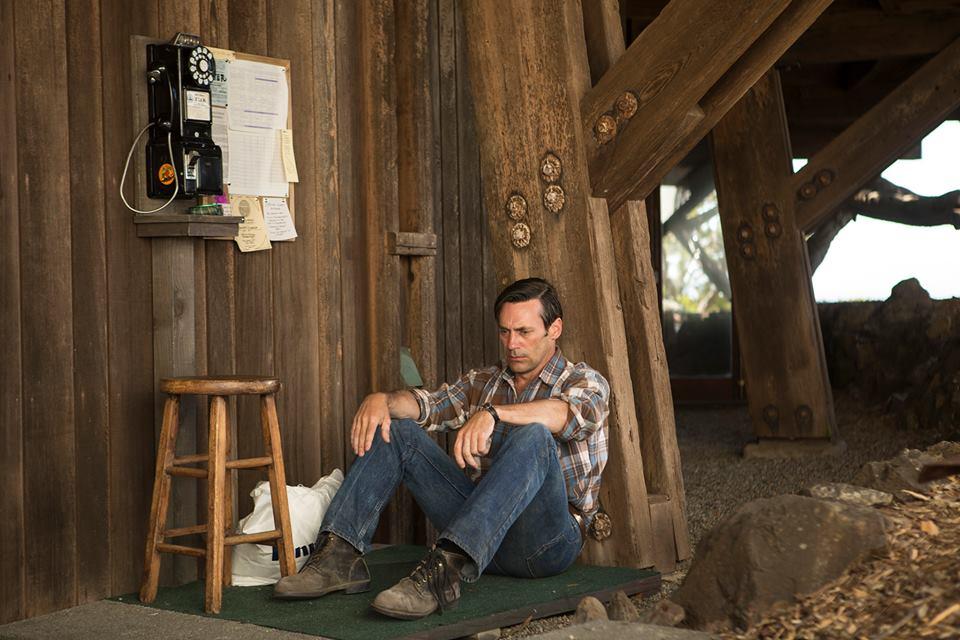 Mad Men: Jon Hamm in una scena dell'episodio Person to Person