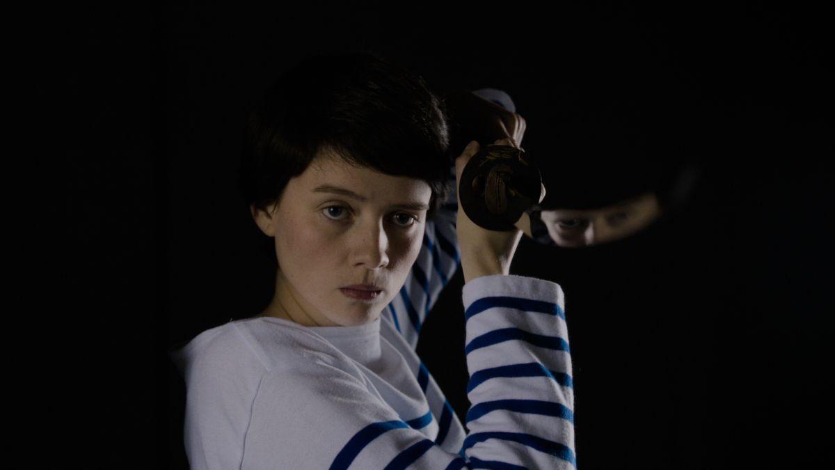 Il fascino indiscreto dell'amore: Pauline Etienne in una scena del film sentimentale