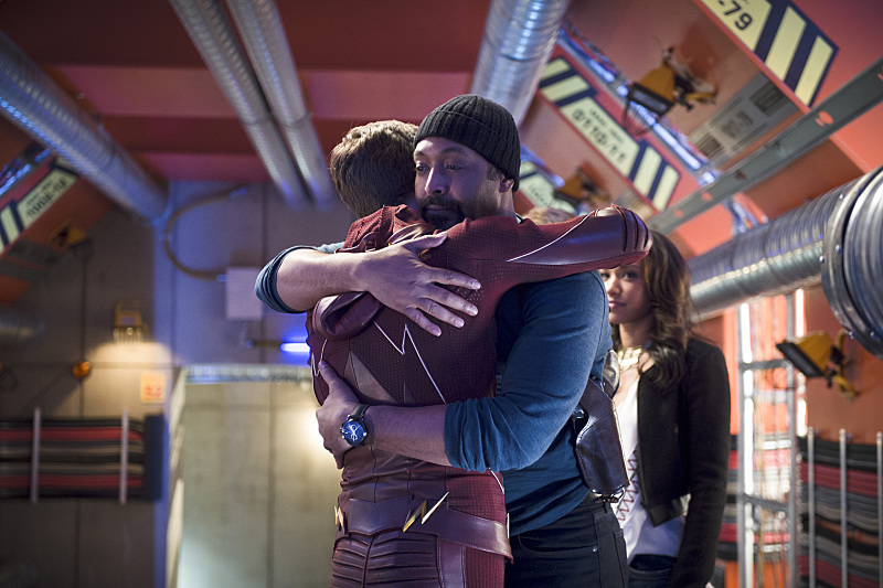 The Flash: gli attori Grant Gustin e Jesse L. Martin nell'episodio Fast Enough