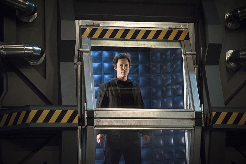 The Flash: l'attore Tom Cavanagh interpreta il dottor Wells in Fast Enough