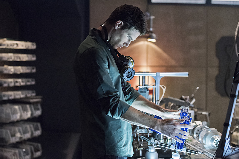 The Flash: Robbie Amell in una scena del season finale Fast Enough