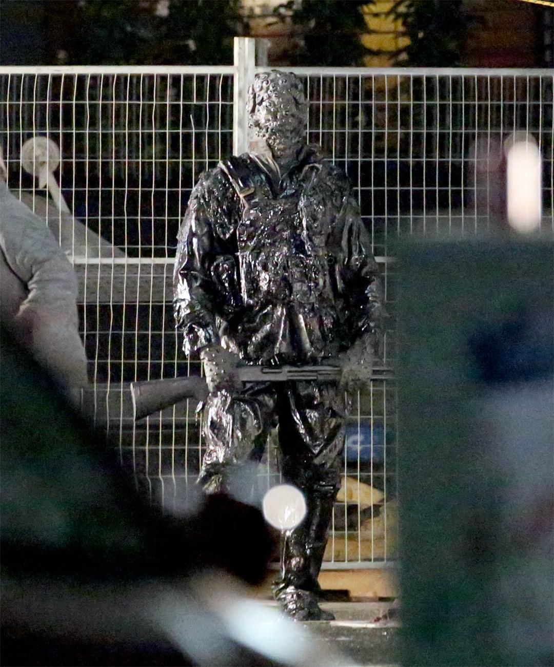 Suicide Squad: una creatura sul set del film