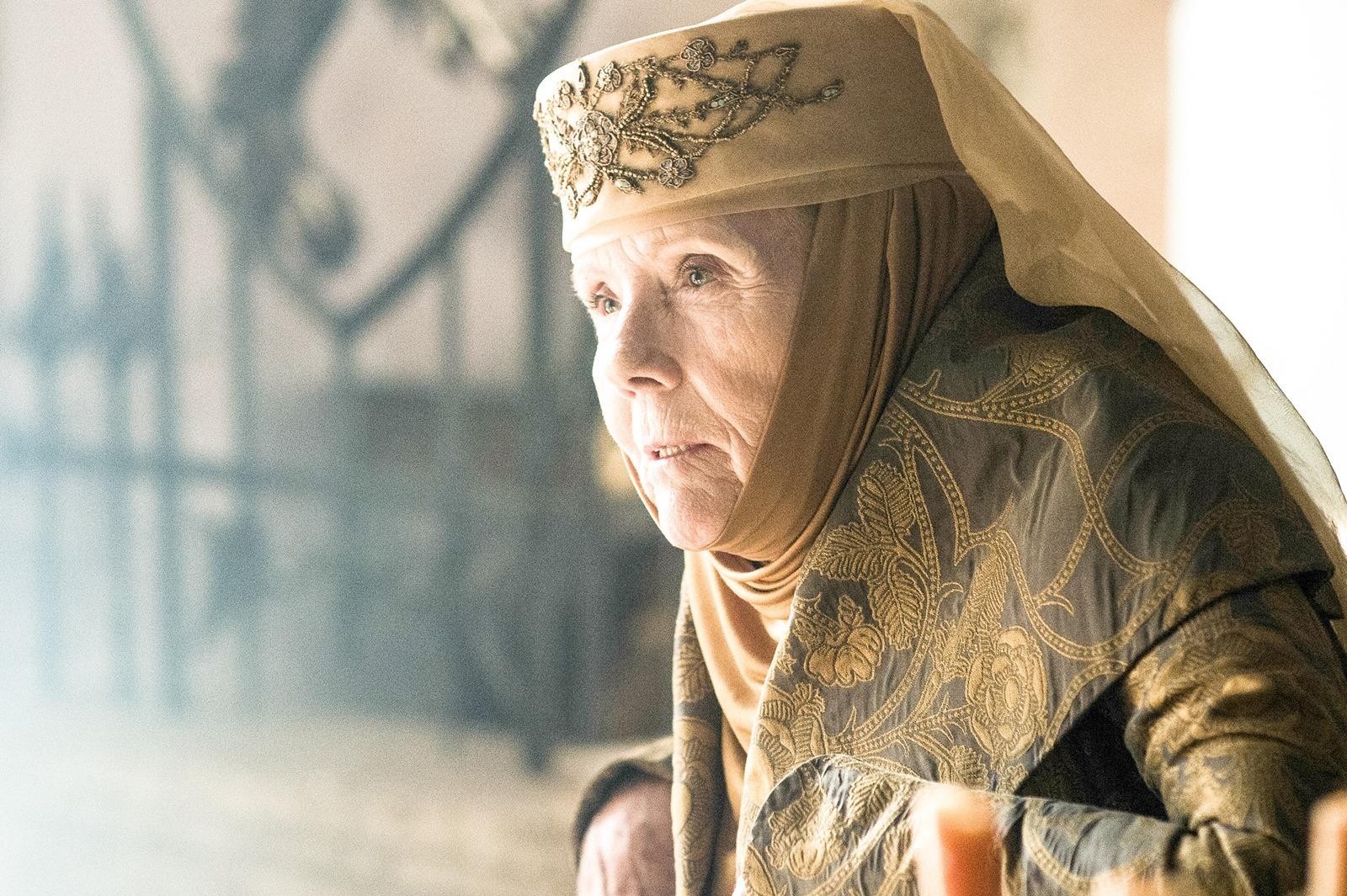 Il trono di spade: Dina Rigg interpreta Olenna Tyrell nell'episodio Le Serpi delle Sabbie