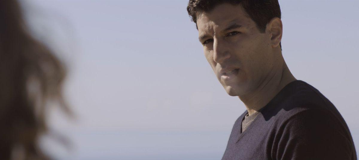 Una storia sbagliata: Francesco Scianna nel ruolo di Roberto in una scena del film
